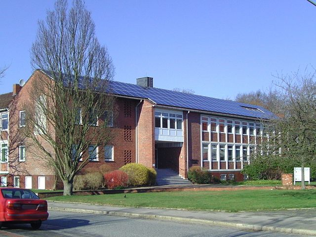 energy efficient building solar panels
