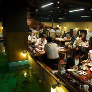avoid food poisoning zauo restaurant dining room scene