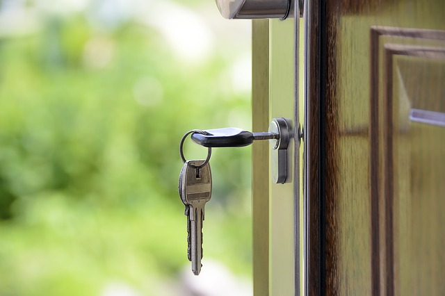 Get more keys in the door! Here's how to attract prospective tenants to your rentals without seeming desperate.