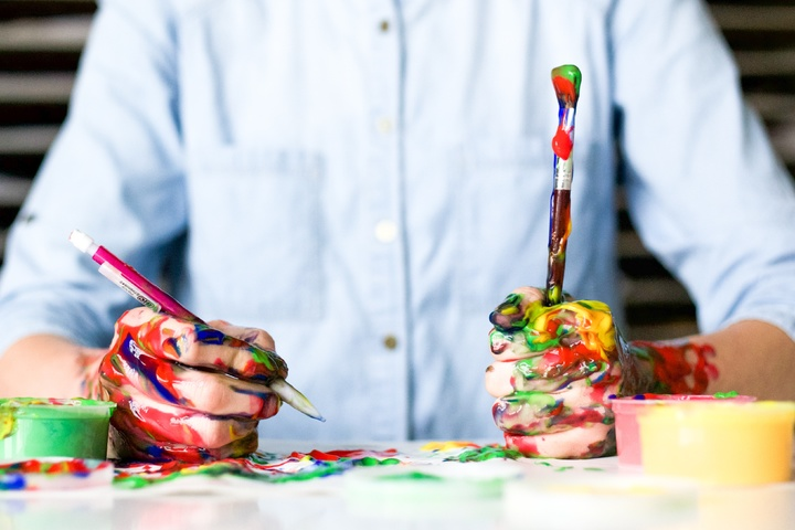 benefit of art therapy for seniors is a significant improvement in cognitive capabilities