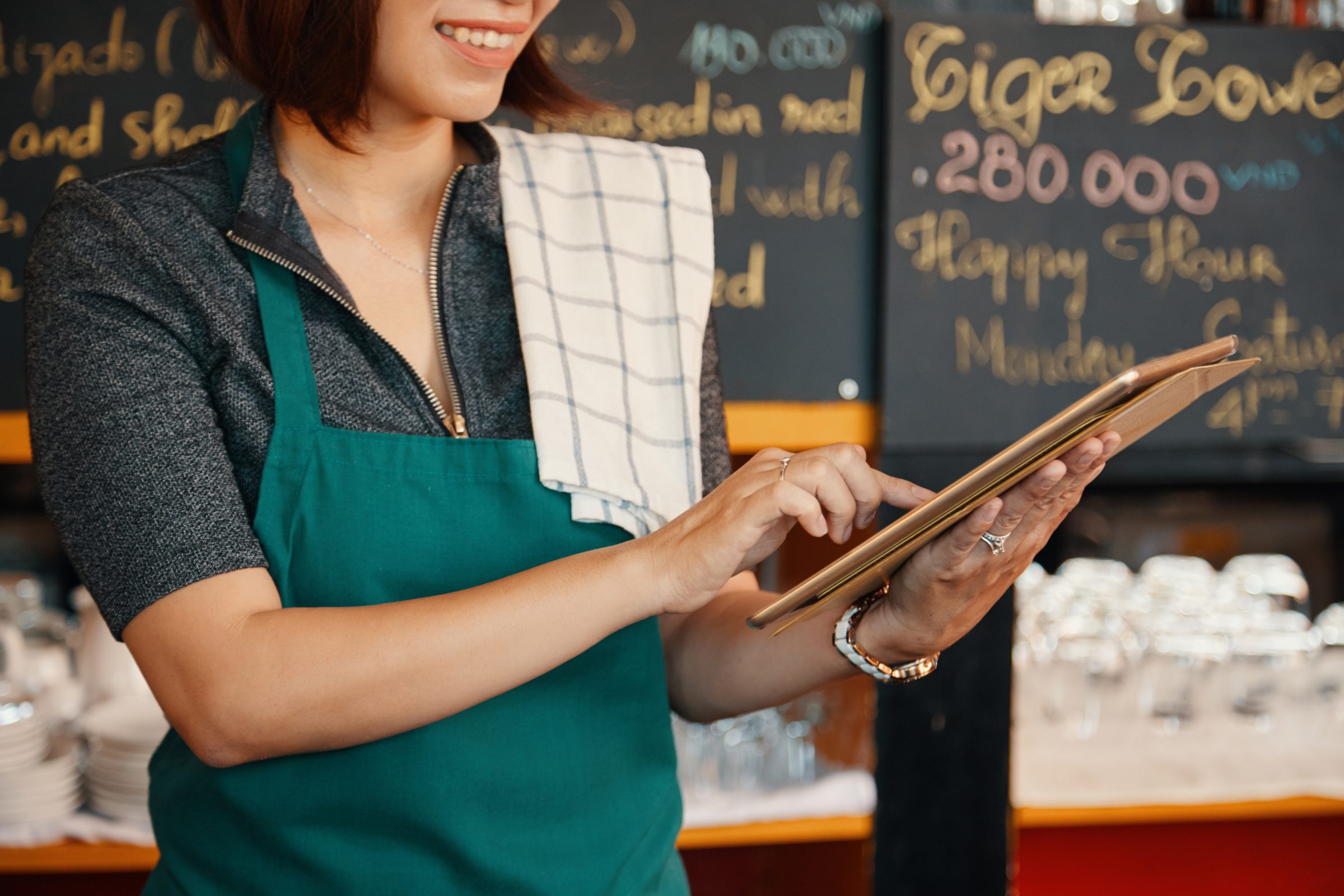 Improve your restaurant business model by implementing automation with online ordering systems