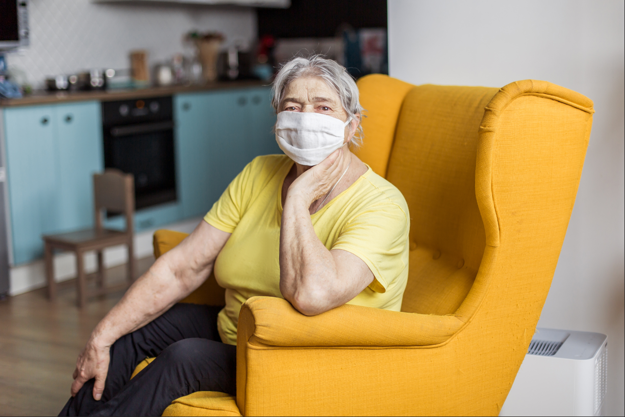 Senior living residents should wear proper personal protective equipment like face masks to stay safe